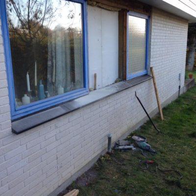 Færdiggørelse af skalmur på 70er hus