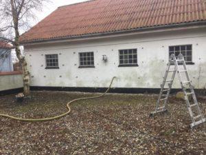 Hulmursisolering af værksted i Dokkedal - billede 3