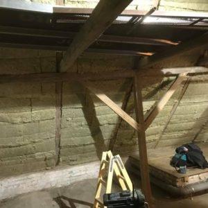Isolering og montering af troldtekt loft - billede 2